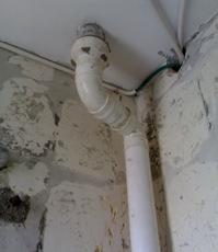 水路管线布局不合理?腐蚀、损坏的水管情况严重!