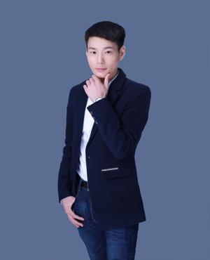 首席设计师:李丰辰