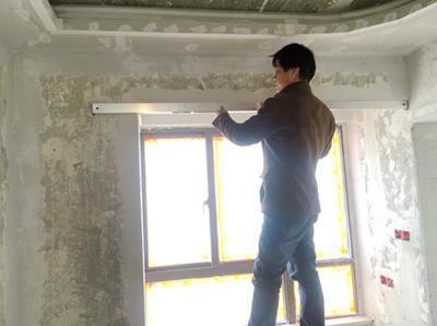 监理验收门套阳角垂直度