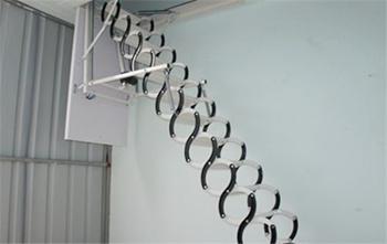 简析阁楼伸缩楼梯的优缺点 伸缩楼梯的安装注意事项