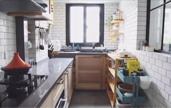 橱柜做成高低台设计,洗菜不会累!